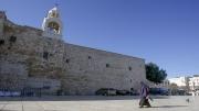 إعادة فتح كنيسة المهد مع تخفيف قيود الكورونا بالأراضي الفلسطينية
