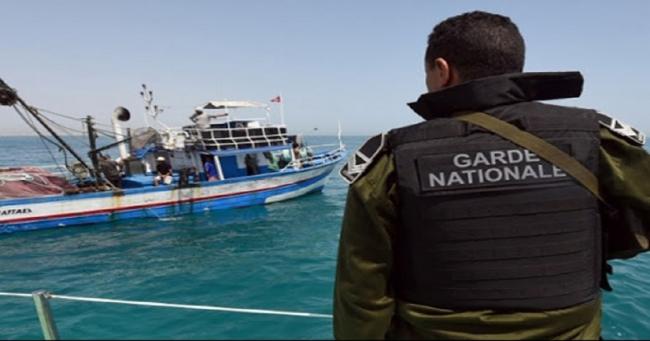 الحرس البحري بقرقنة ينقذ مركب مجتازين تائه في البحر